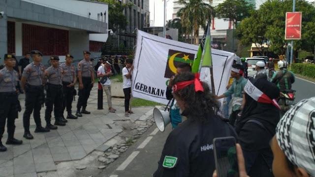 Massa GPI Demo di Depan Kedubes Tiongkok, Tuntut Boikot Produk China