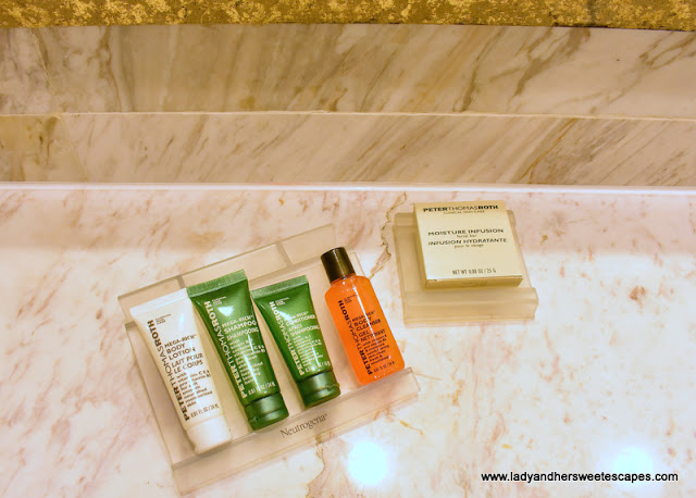 Hilton Garden Inn Hanoi bath set