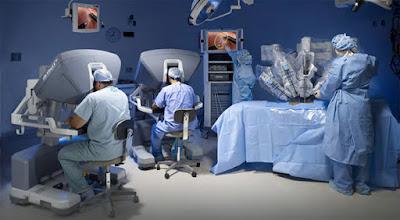 Cirurgia robótica aumenta a precisão na retirada de tumores em pacientes com câncer de próstata