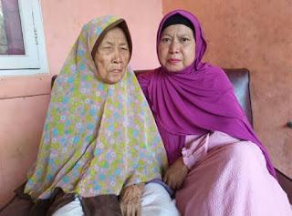 Ibu Asih orang tua saya