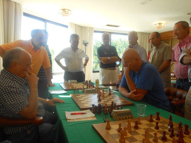 Partida de ajedrez Jaume Anguera-Mariano Varga, año 2013