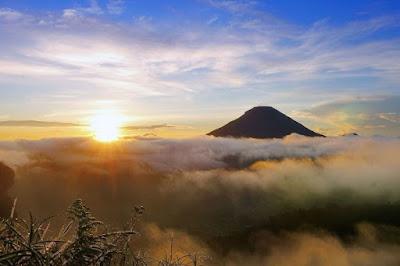 Wisata Gunung Dieng