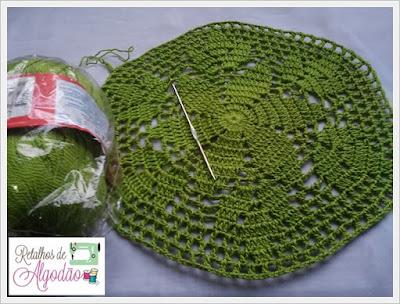 Sousplat feito em crochê na cor verde