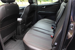 Chevrolet S-10 High Country  - interior