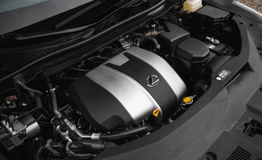 Xe được trang bị khối động cơ V6 3,5 lít công suất gần 300 mã lực, rất tiết kiệm nhiên liệu