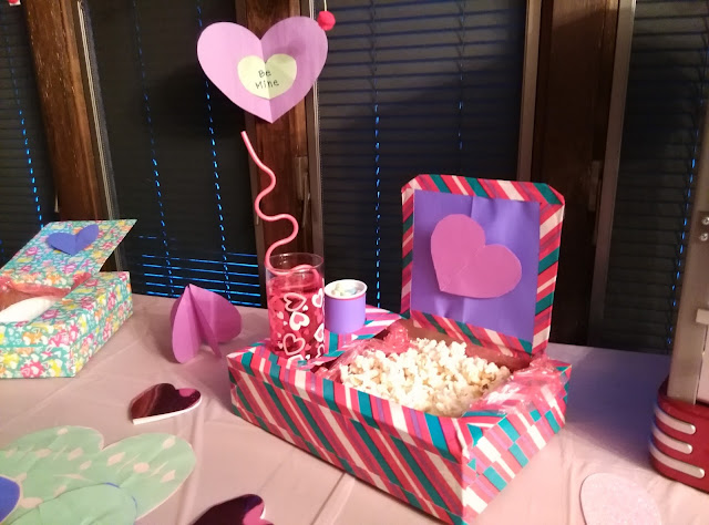 Valentine treat box complete.