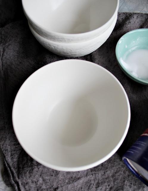 Slik så porselenet ut etter behandling med natron, rent og pent