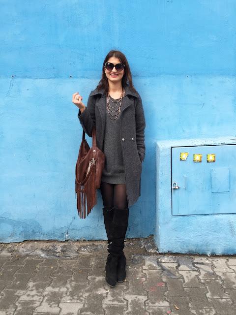 poznań streetstyle, street style, coat, jesienny płaszcz, koronkowa mini, sukienka dzianina, torebka frędzle, frędzle, my-bag,