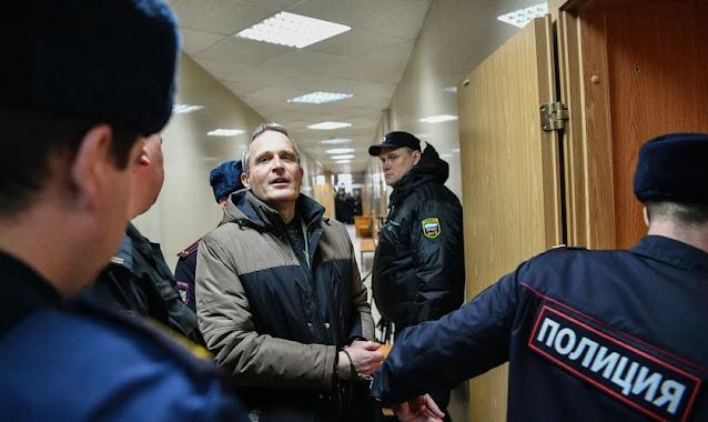 """Rússia faz prisões de Testemunhas de Jeová em todo país sob acusação de """"extremismo"""""""