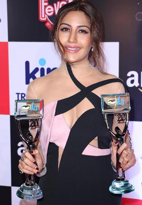 surbhi chandna best actress award for naagin