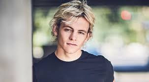 "Ross Lynch Makes TikTok Debut With ""CAOS"" Costar Jaz Sinclair"