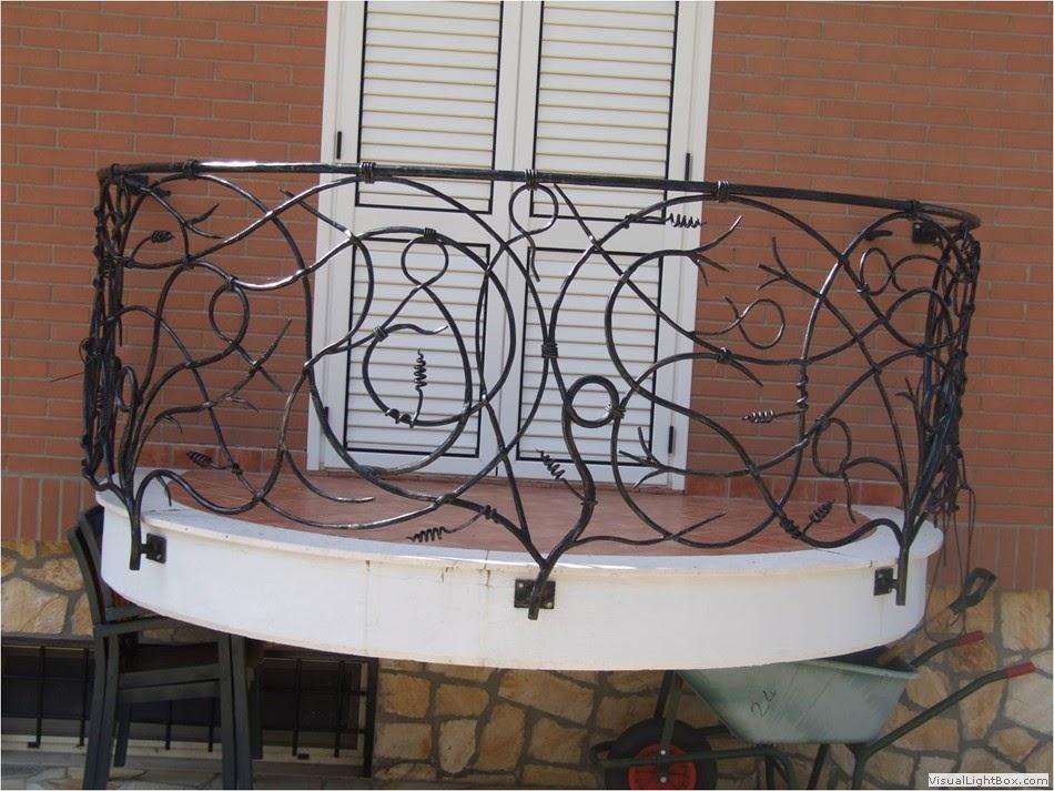 Studio tecnico realizzazione ringhiere for Ringhiere ferro battuto per esterno