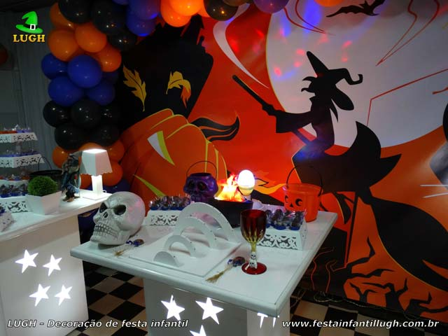 Decoração festa de aniversário Halloween - Mesa provençal simples