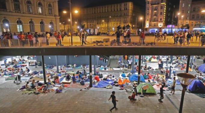 """Visít a sorosista, migránsimogató szervezet: """"Orbán megbetegítette a magyar lelket és ha hagyjuk, meg is fogja ölni"""""""