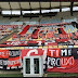 'Time frouxo e diretoria omissa': torcedores do Flamengo protestam com faixas no Maracanã