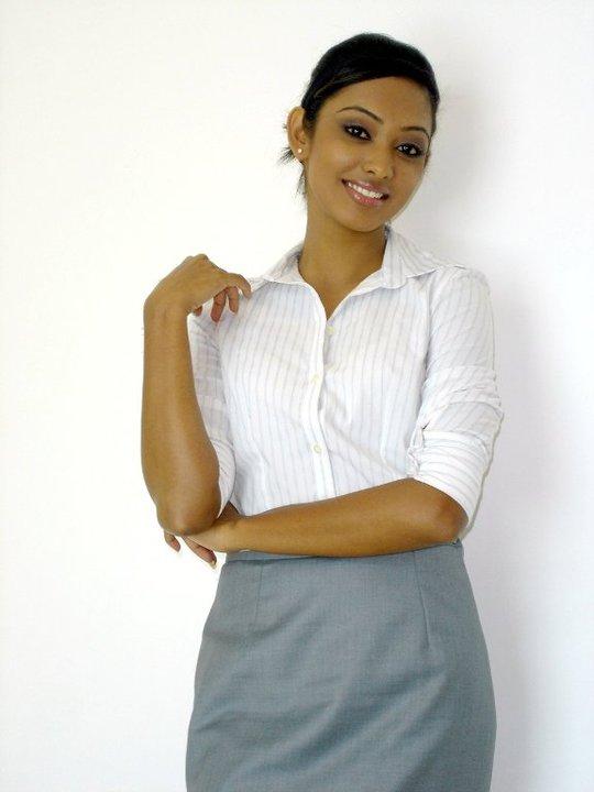 Sri Lankan Actress Hot Images   Kusalge badu