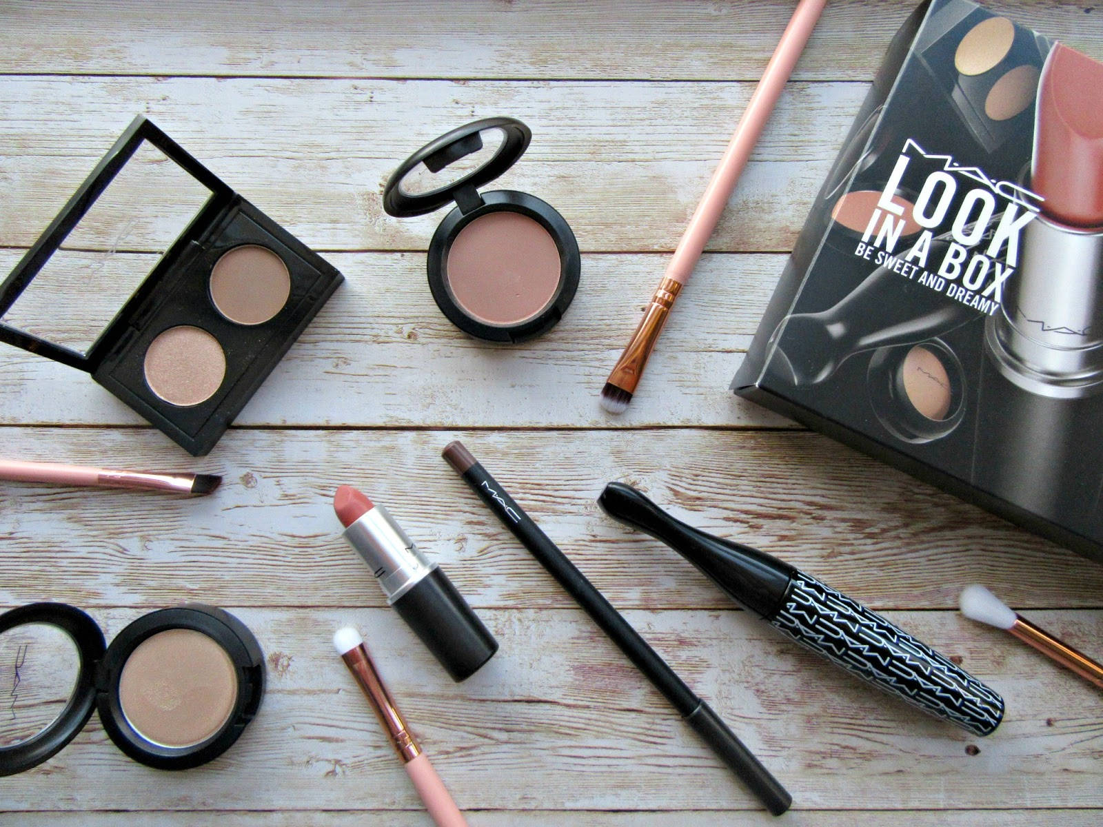 Mac Look In A Box Be Sweet and Dreamy review