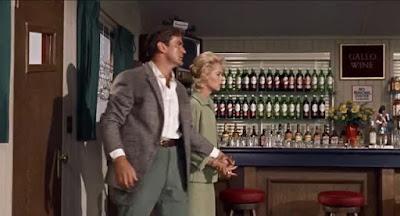 Rod Taylor - Jessica Tandy - Los pájaros (1963)