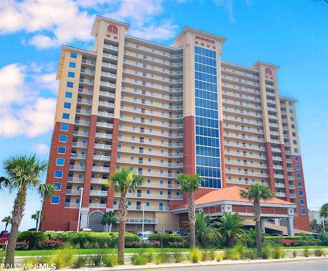 Located in the heart of Gulf Shores on East Beach, San Carlos vacation rentals offer luxury high-rise condominium living in one of the newest resort complexes on the Gulf Coast.