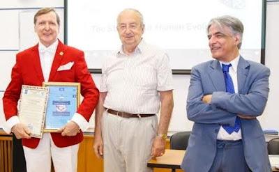 Λειτουργός Διδάσκαλος - Εκπαιδευτής Κοινωνικής Παιδείας του 21ου αιώνα ο Έλληνας Πάρις Κατσίβελος