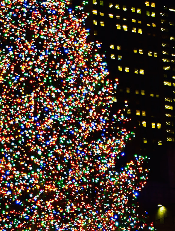 """Yes, you can visit the Rockefeller Center Christmas Tree in 2020 - but you need to know the """"New Rules. _ Ms. Toody Goo Shoes"""""""