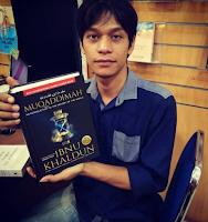 Ngaji kitab Mukaddimah karya Ibnu Khaldun