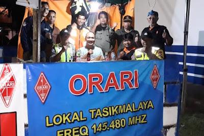 Dukom sebagai sarana silaturahim dengan petugas lainnya. Foto : Dok. ORARI Lokal Tasikmalaya.