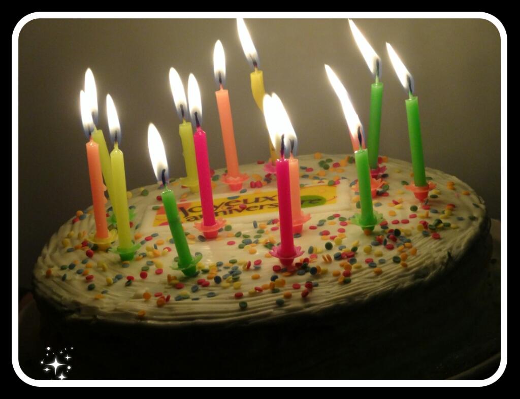 mes 4 petits boulets un blog de maman super g teau d 39 anniversaire. Black Bedroom Furniture Sets. Home Design Ideas