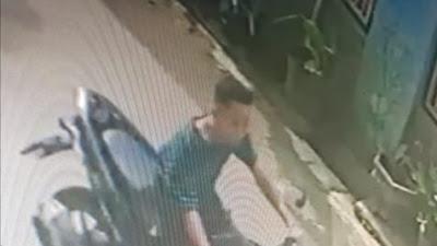 Aksi Pencurian Kotak Amal Masjid di Sidomulyo Terekam CCTV