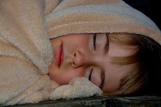 مراحل نمو الطفل (النوم)