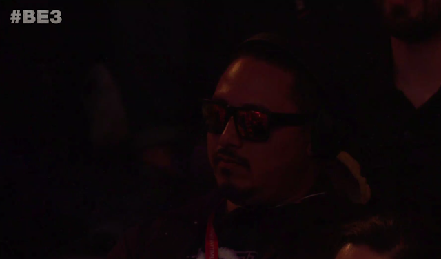 Bethesda E3 2018 sunglasses wearing man in audience