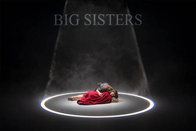 Big Sisters, dernière création de chorégraphe Steven Michel et du plasticien Théo Mercier