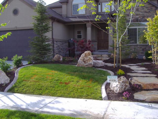 The villa entry small garden