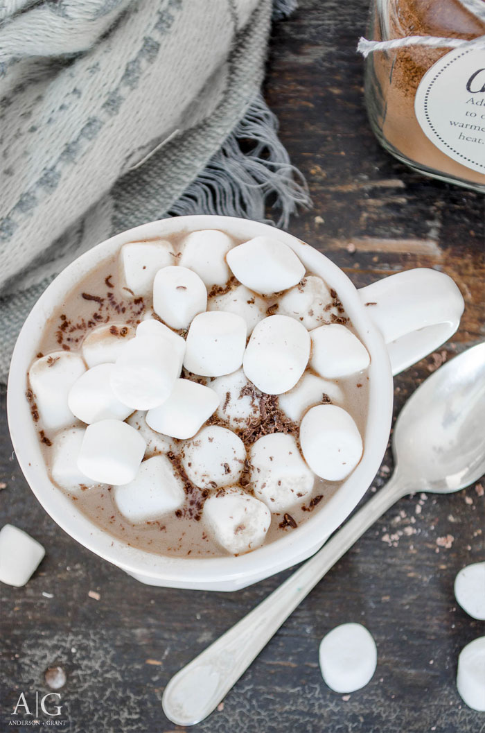 A must have recipe for Peanut Butter Hot Chocolate to enjoy this winter.  ||  www.andersonandgrant.com