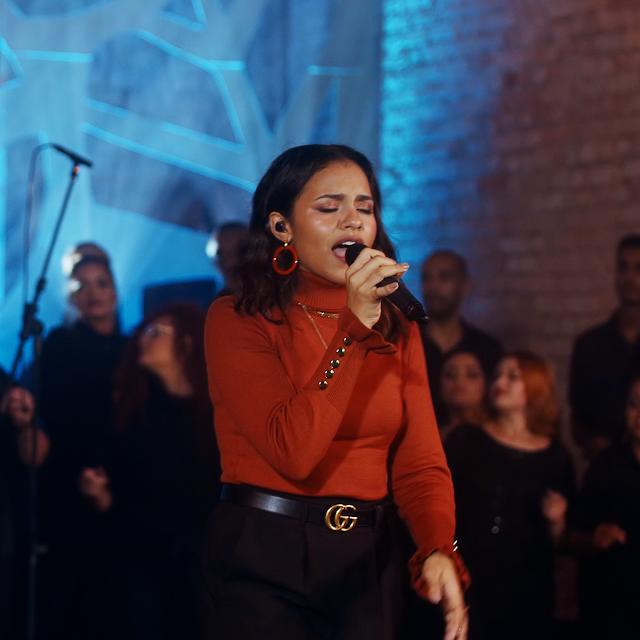 Julia Vitória traz, influência norte-americana novo single