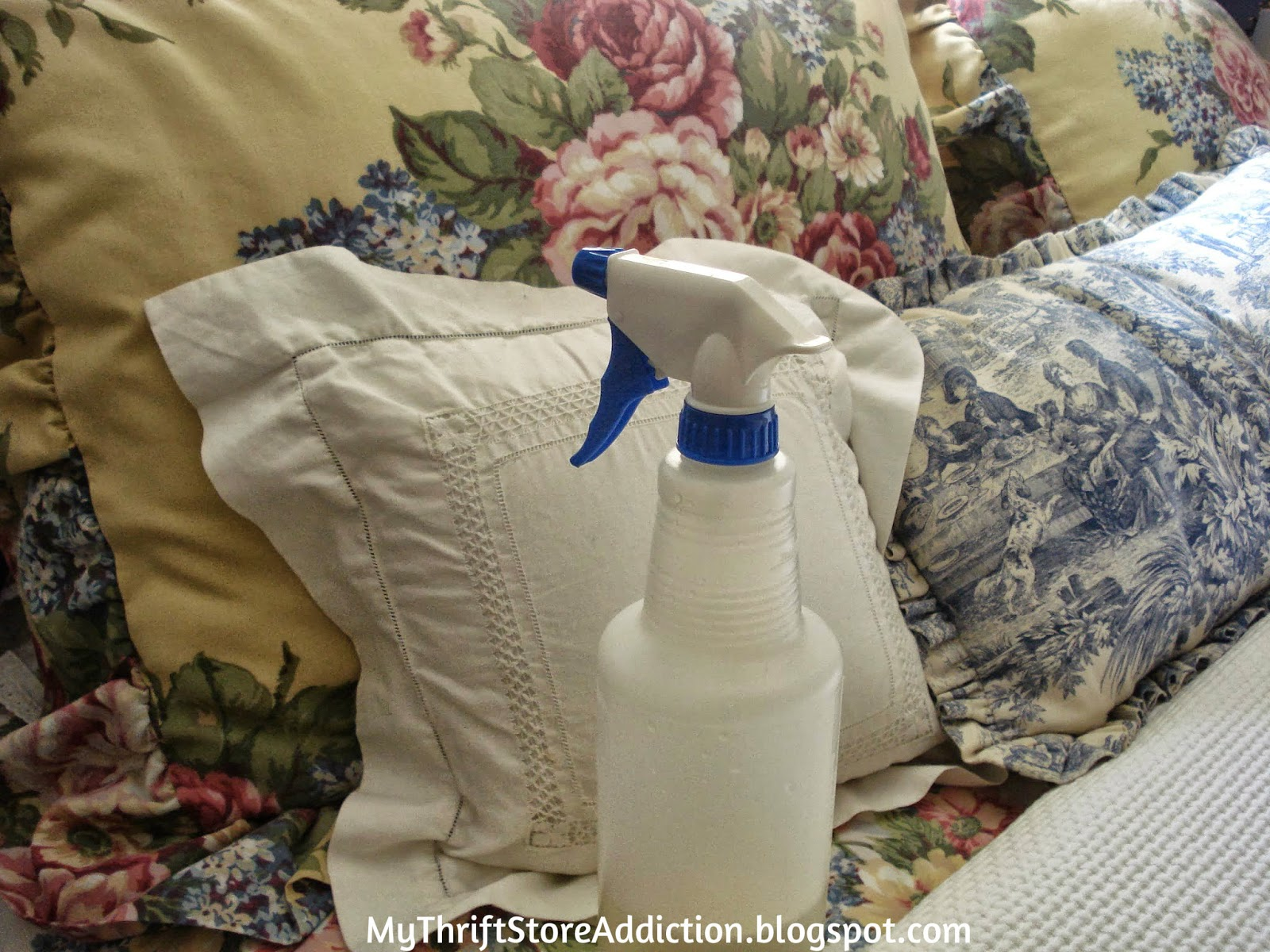 Warm and Cozy Guest Rooms  mythriftstoreaddiction.blogspot.com  Comfy bedding and lavender linen spray to make your guests feel welcome!