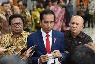 Jokowi Umumkan Dua WNI Positif Corona di Indonesia