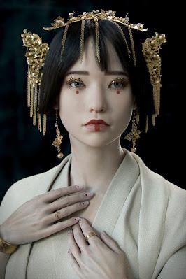 Shizuka Kaze-no-tani (Porcelain by Roger Magrini)