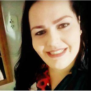 Amigos dão adeus a enfermeira do Hospam vítima da Covid-19