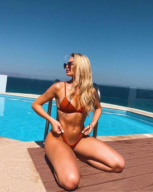 Georgia Kerr Hot & Sexy Pics