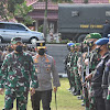 Pangdam XIV/Hasanuddin Dan Kapolda Sulsel, Apel Gelar Pasukan Pengamanan VVIP Kunker Presiden RI Di Kab. Wajo