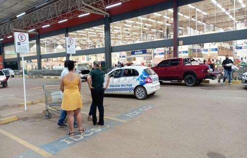 Cliente é assaltada dentro do Atacadão em Porto Velho e tiros são disparados