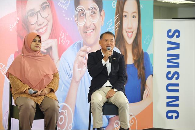 Dato_ Roh and Ir. Dr. Mas Sahidayana Mohktar