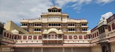 Enjoyable story of a trip to Ajmer, Jaipur, Fatehpur Sikri and Agra اجمیر ، جے پور ، فتح پور سیکری اور آگرہ کے سفر کی پُر لطف داستان