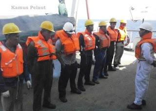 Menjadi Pelaut di Kapal Cargo