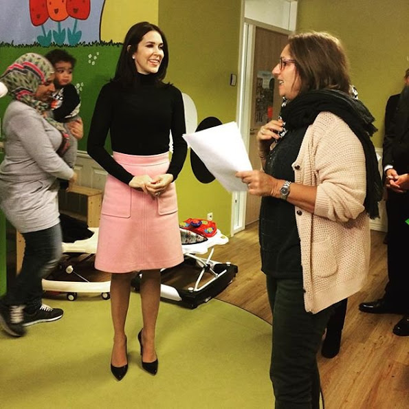Princess Mary visits Crisis Center of Rosa Manus in Leiden