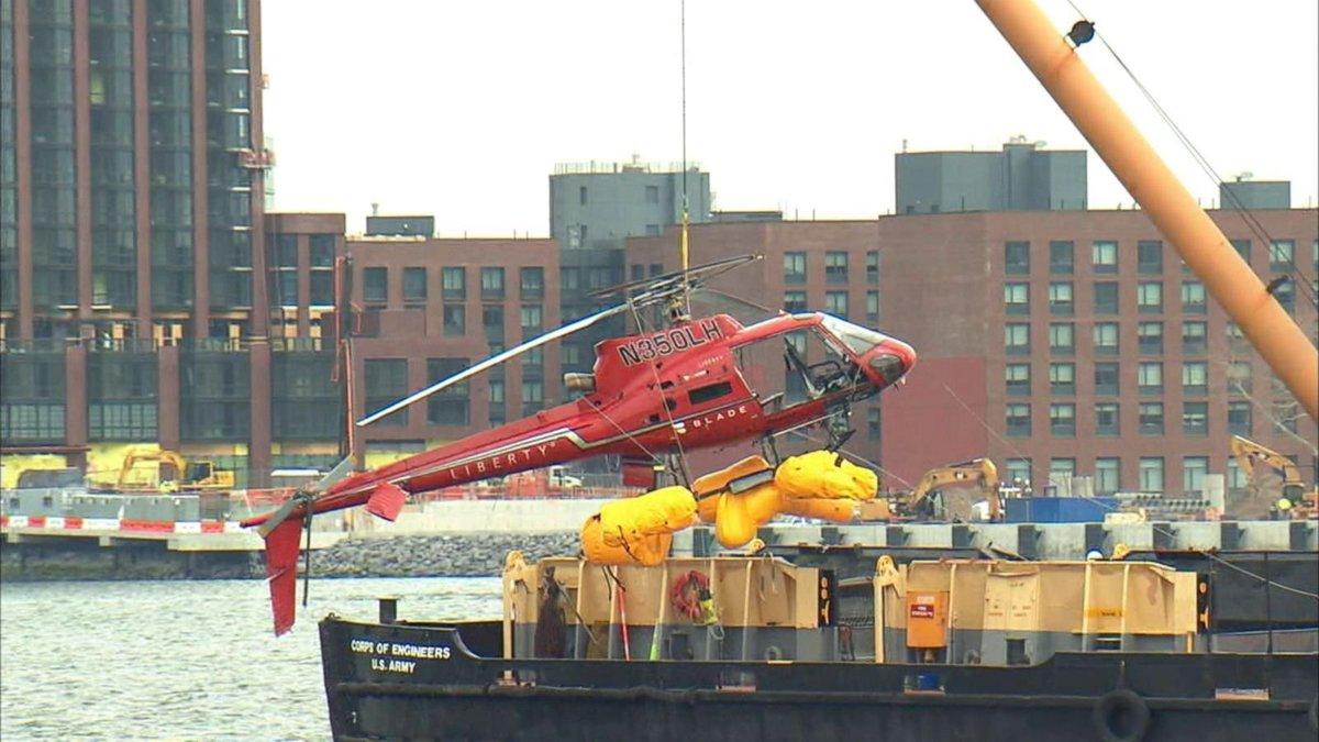 Pilot in NYC copter crash cites passenger restraint harness