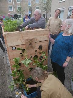 verticale tuin wormenhotel buurtcomposteren in Amstelveen