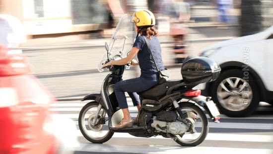 justica anula motociclista multada cinto seguranca