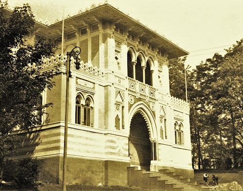 Օսմանյան տաղավարը նախագծել էր հայ ճարտարապետ, նկարիչ, բանաստեղծ Լեոն Գյուրեկյանը (Léon Gurekian, Լևոն կյուրեղյան)
